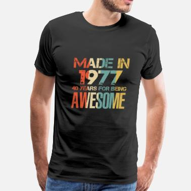 1977 Awesome Made In 1977 41 Years Of Awesomeness t-shirt - Men's Premium T-Shirt