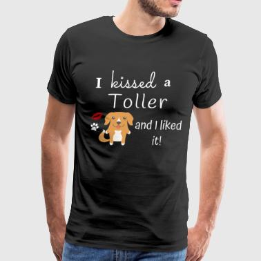 I Kissed A Toller And I Liked It Cute Dog Kiss Gift Idea - Men's Premium T-Shirt