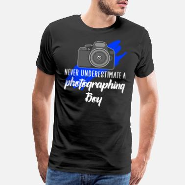 Camera never underestimate a photographing boy - Men's Premium T-Shirt