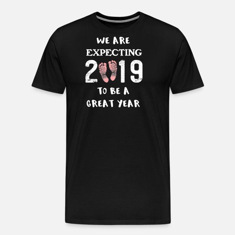 139360f479e9b Gender Reveal Baby Gir Pregnancy Announce New Year Men's Premium T-Shirt    Spreadshirt