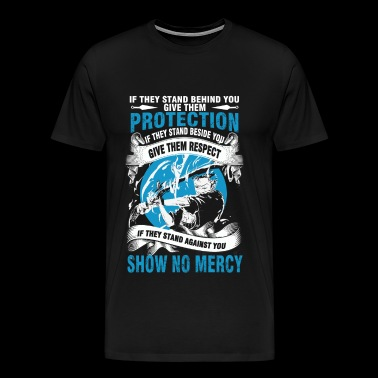 One piece - Protect them if they stand behind yo - Men's Premium T-Shirt