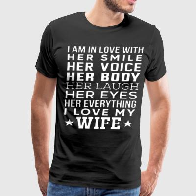 i am in love with her smile her voice her body her - Men's Premium T-Shirt