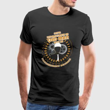 Engineering - Never Underestimate Old Engineerin - Men's Premium T-Shirt