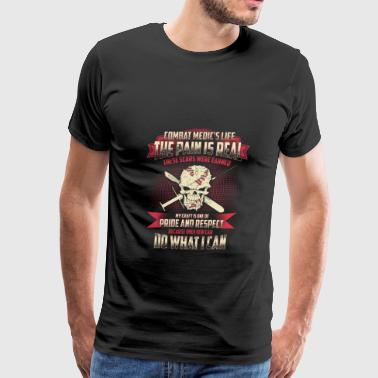 Combat medic's life - These scars were earned - Men's Premium T-Shirt
