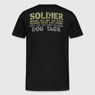 Soldier with dog tags - Men's Premium T-Shirt