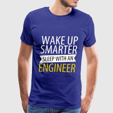 Wake up smarter - Men's Premium T-Shirt