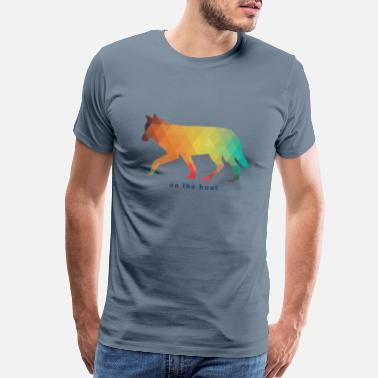 Roaming Wolf on the hunt - Men's Premium T-Shirt