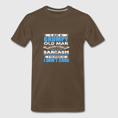 I AM A GRUMPY OLD MAN ALLERGIC TO STUPIDITY - Men's Premium T-Shirt