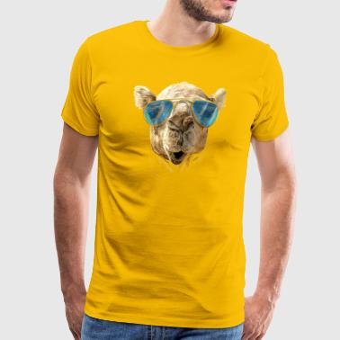 Camel with sunglasses - Men's Premium T-Shirt