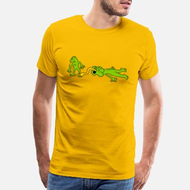 60bf5ce83 tongue kiss lick hold catch 2 frogs couple love to - Men's Premium T-Shirt