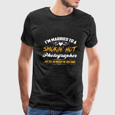smokin hot photographer - Men's Premium T-Shirt