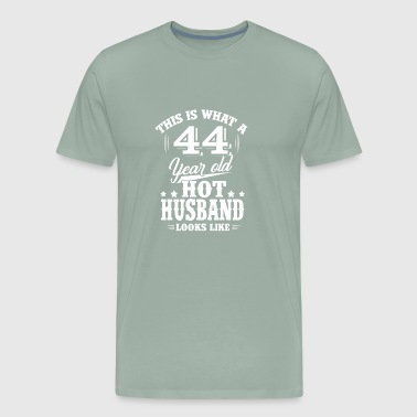 44 Year Old What 44 year old hot husband looks like - Men's Premium T-Shirt