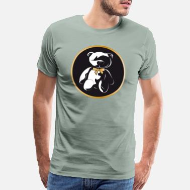 Eye Patch dark bear in twilight with golden bow - Men's Premium T-Shirt