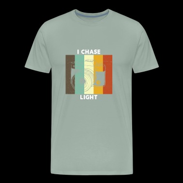 Vintage Camera I Chase Light Retro Color - Men's Premium T-Shirt