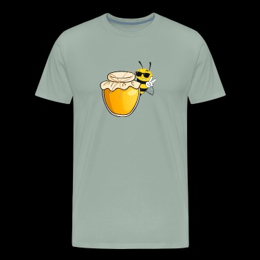 BEE T-shirt - Perfect for any lover of honey bees! - Men's Premium T-Shirt