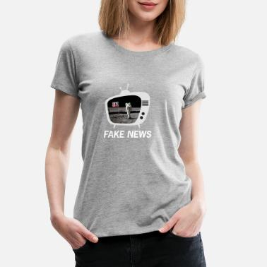 Moon Landing The Moon Landing was Fake News Retro TV design - Women's Premium T-Shirt