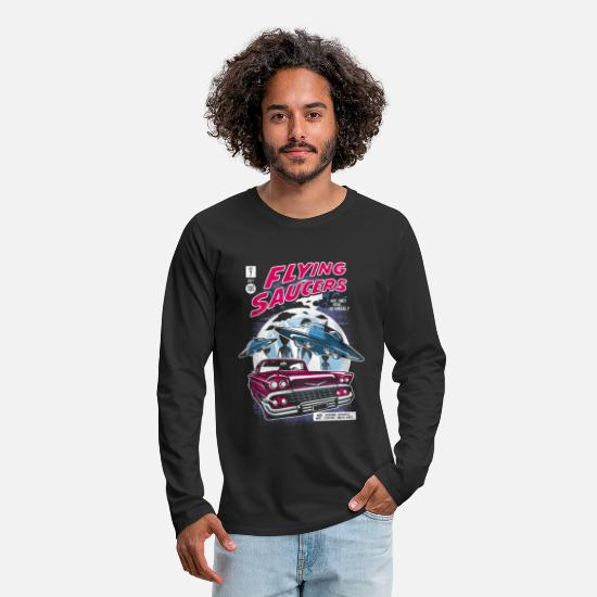 Read Long-Sleeve Shirts - Flying Saucers Comic Book - Men's Premium Longsleeve Shirt black