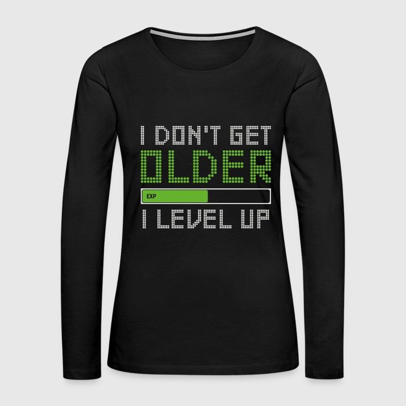 VIDEO GAME LIVES GEEK GAMER HUMOR RETRO VINTAGE Womens Gray T-Shirt