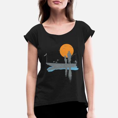 Bird T-shirt fisherman in boat with bird and fish - Women's Rolled Sleeve T-Shirt