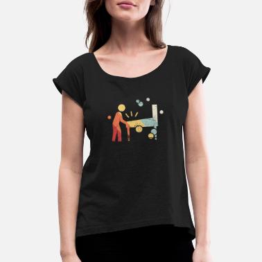 Arcade-games Retro 70s Pinball Arcade Player - Women's Roll Cuff T-Shirt