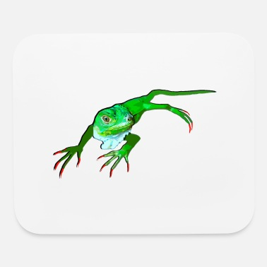 Green iguana with sharp claws - Mouse Pad