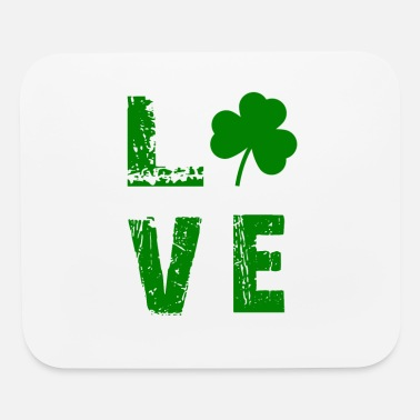 St Patricks Day LOVE with shamrock - Mouse Pad