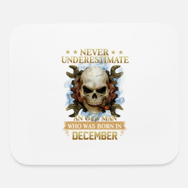 December Woman DECEMBER - NEVER UNDERESTIMATE - Mouse Pad