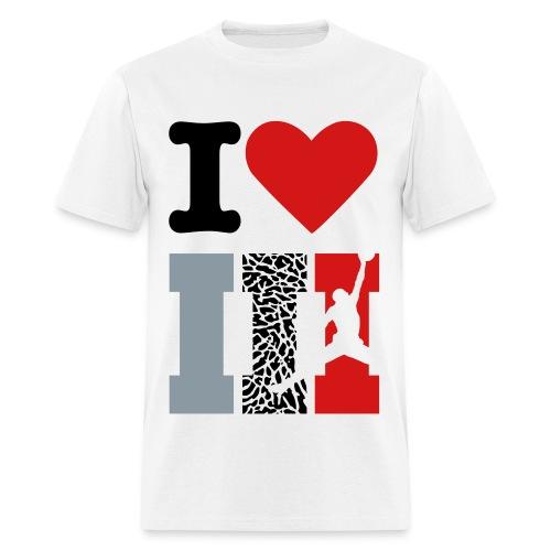 I love 3's - Men's T-Shirt