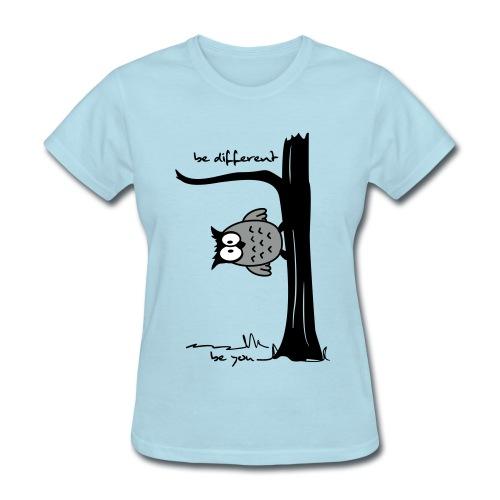 Be different - Women's T-Shirt