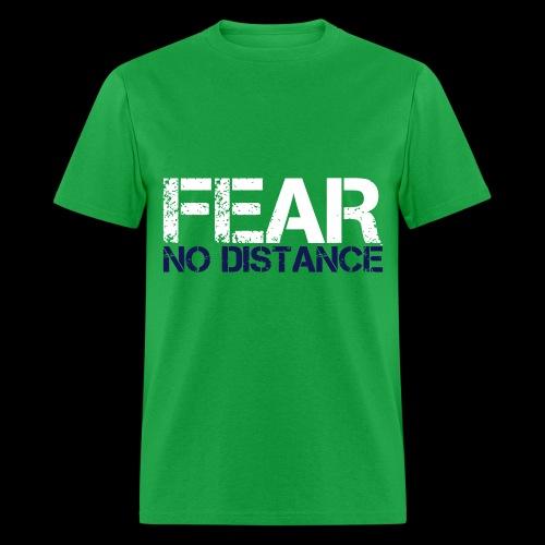 fear no distance - Men's T-Shirt