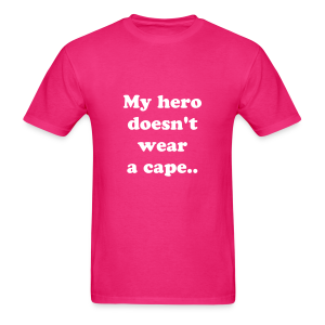 My hero doesn't wear a cape, She wears an insulin pump - Men's T-Shirt