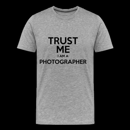 Trust me I'm a photographer - Men's Premium T-Shirt