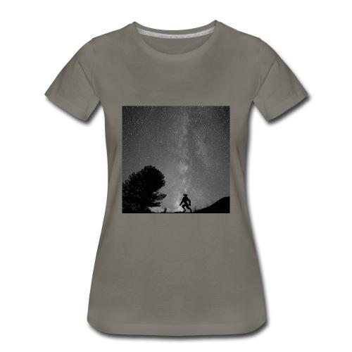 Titus B&W Women's - Women's Premium T-Shirt