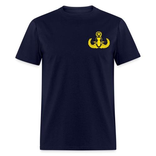 Master EOD Badge Pocket Logo - Men's T-Shirt