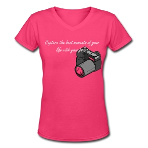 Capture the best moments of your life with your heart - Women's V-Neck T-Shirt
