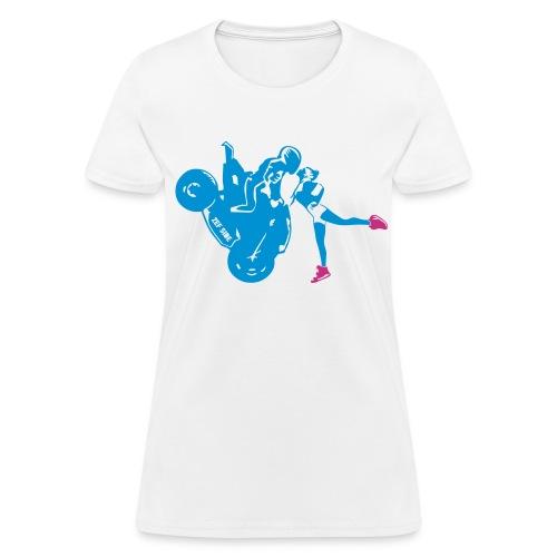 Yo-landi bad boy kiss 1 - Women's T-Shirt