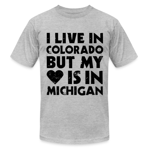 I LIVE IN COLORADO BUT MY HEART IS IN DETROIT - Men's  Jersey T-Shirt