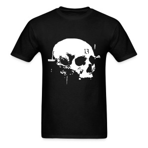 large c13 skull - Men's T-Shirt