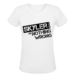 Breaking Bad T-Shirts: Skyler White did Nothing Wrong - Women's V-Neck T-Shirt