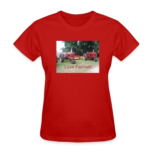 'Love Farmall' - Women's T-Shirt
