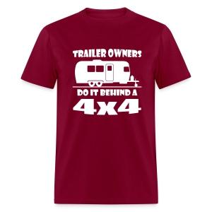 Behind a 4x4 trailer t-shirt - Men's T-Shirt