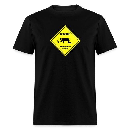 Drunken people crossing - Men's T-Shirt