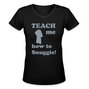 Teach me how to Snuggie! ladiesV-Neck - Women's V-Neck T-Shirt