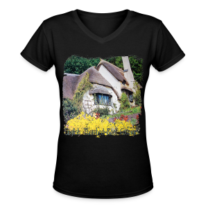 English cottage - Women's V-Neck T-Shirt