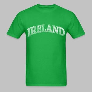 Distressed Ireland Arch - Men's T-Shirt