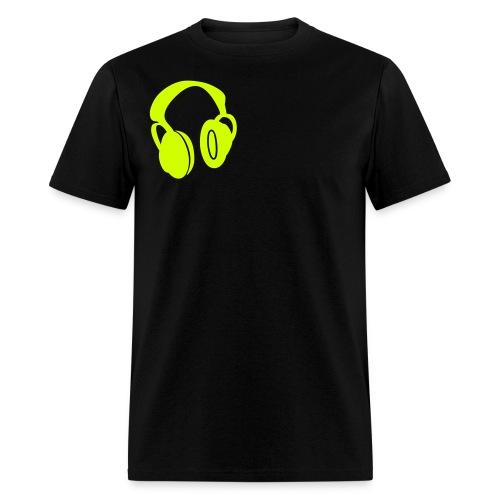 mens headphone yellow - Men's T-Shirt