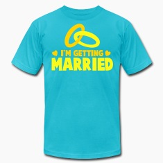 I'M GETTING MARRIED with cute love hearts and rings T-Shirts