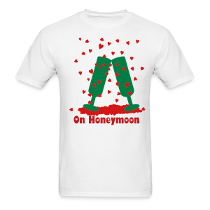 On Honeymoon - Men's T-Shirt