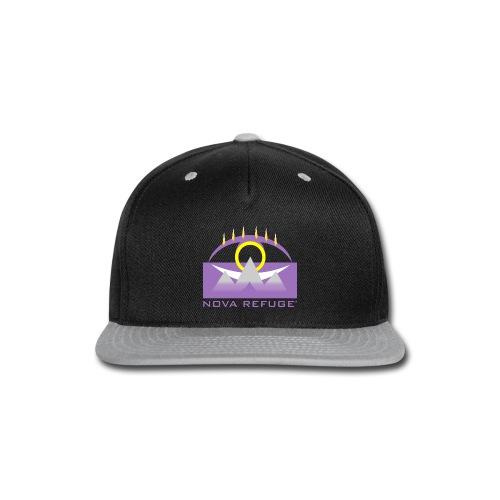 Nova Refuge Yavakaro Badge Men's T-Shirt - Snap-back Baseball Cap