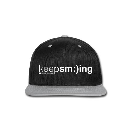 Keep Smiling Men's T-shirt - Snap-back Baseball Cap